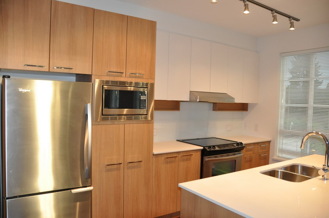 Condo Apartment at 201 555 FOSTER AVENUE, Unit 201, Coquitlam, British Columbia. Image 7