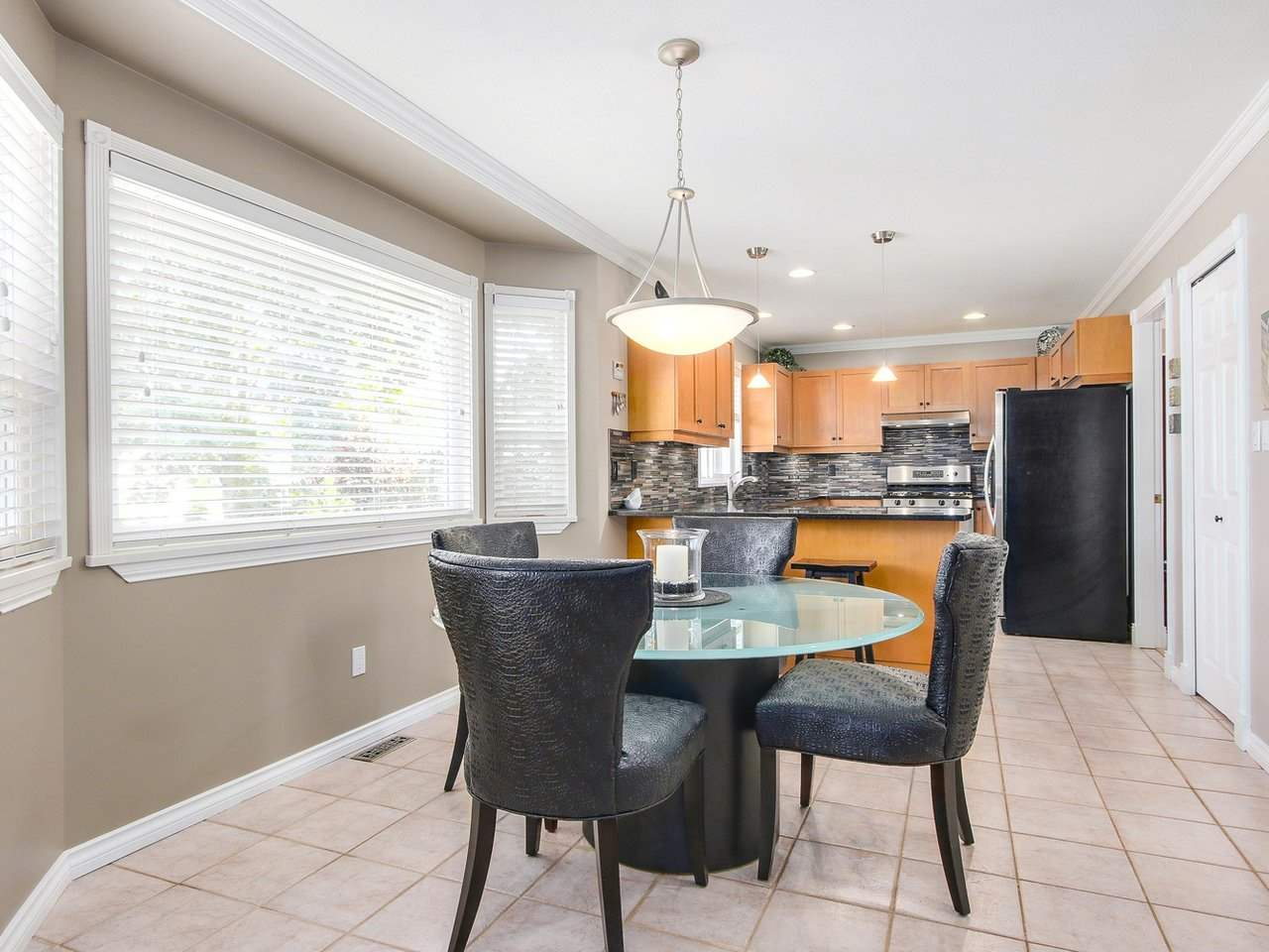 Detached at 16196 14A AVENUE, South Surrey White Rock, British Columbia. Image 10