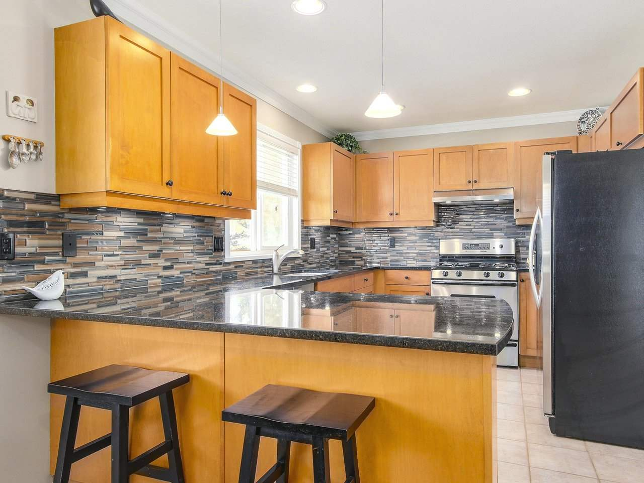 Detached at 16196 14A AVENUE, South Surrey White Rock, British Columbia. Image 11