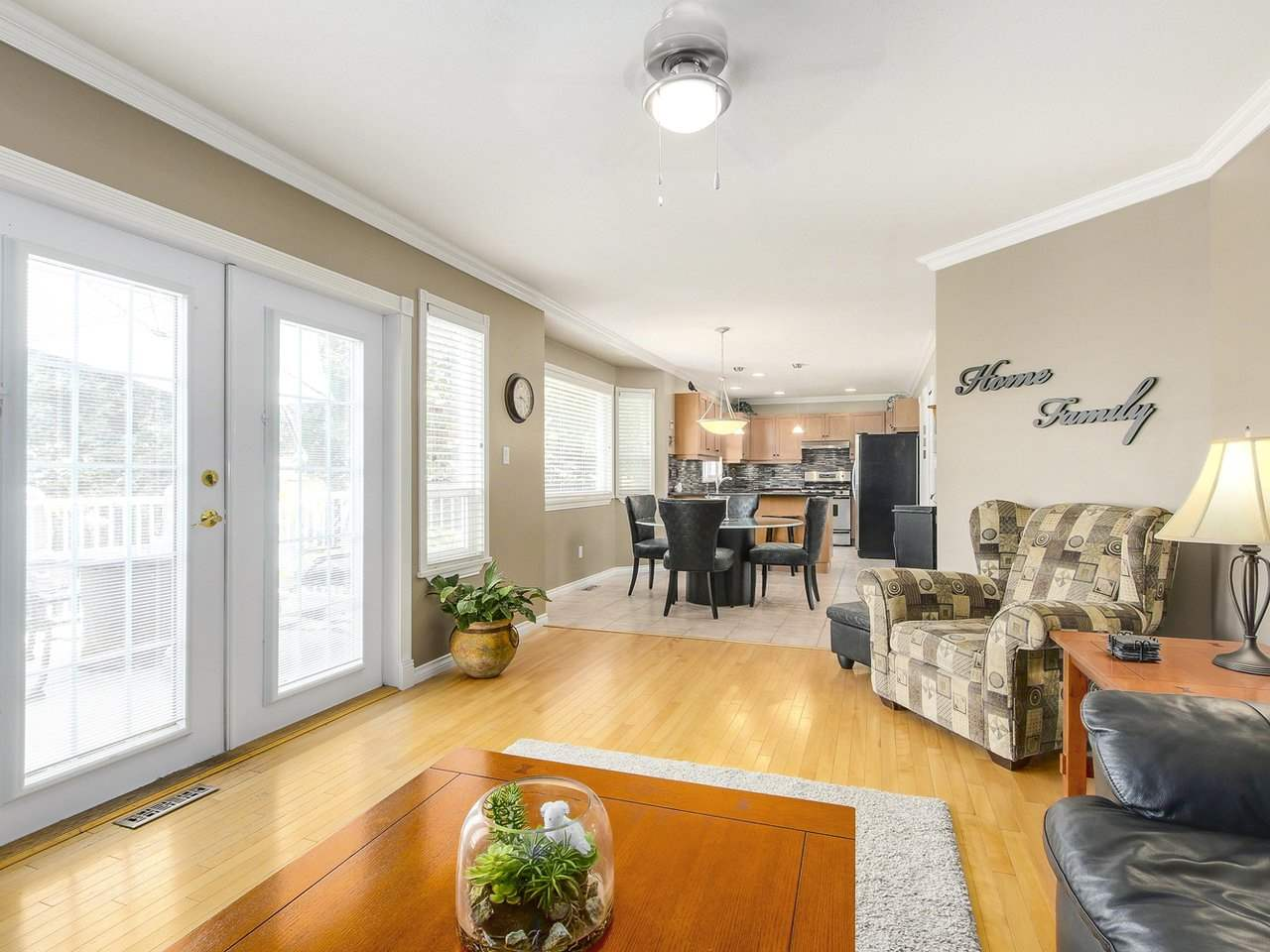 Detached at 16196 14A AVENUE, South Surrey White Rock, British Columbia. Image 13