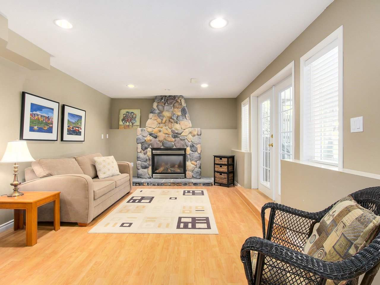 Detached at 16196 14A AVENUE, South Surrey White Rock, British Columbia. Image 16
