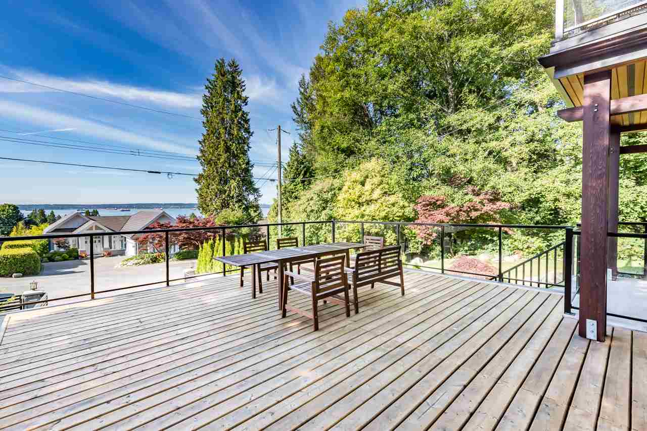 Detached at 2479 OTTAWA AVENUE, West Vancouver, British Columbia. Image 5