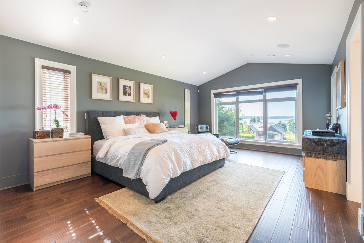 Detached at 2479 OTTAWA AVENUE, West Vancouver, British Columbia. Image 12