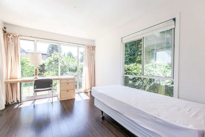 Detached at 1840 MATHERS AVENUE, West Vancouver, British Columbia. Image 7