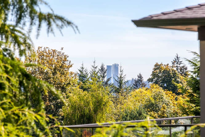 Detached at 1840 MATHERS AVENUE, West Vancouver, British Columbia. Image 16