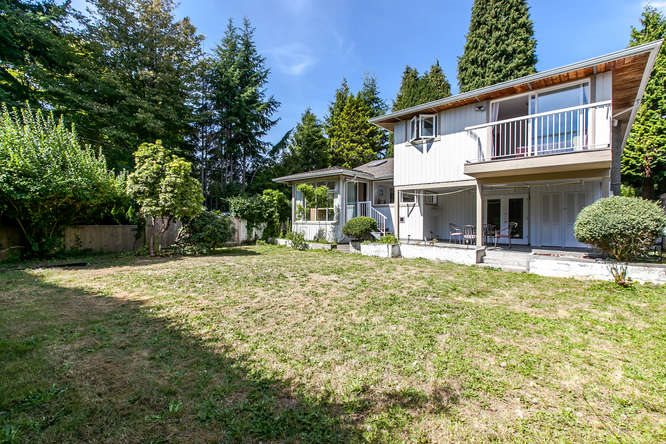Detached at 1840 MATHERS AVENUE, West Vancouver, British Columbia. Image 18