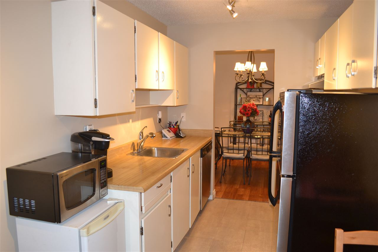 Condo Apartment at 309 7426 138TH STREET, Unit 309, Surrey, British Columbia. Image 6