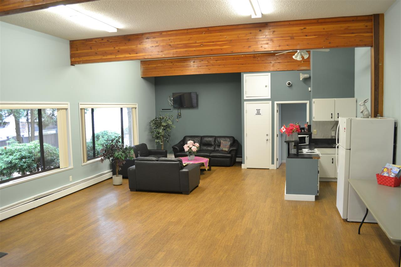 Condo Apartment at 309 7426 138TH STREET, Unit 309, Surrey, British Columbia. Image 14
