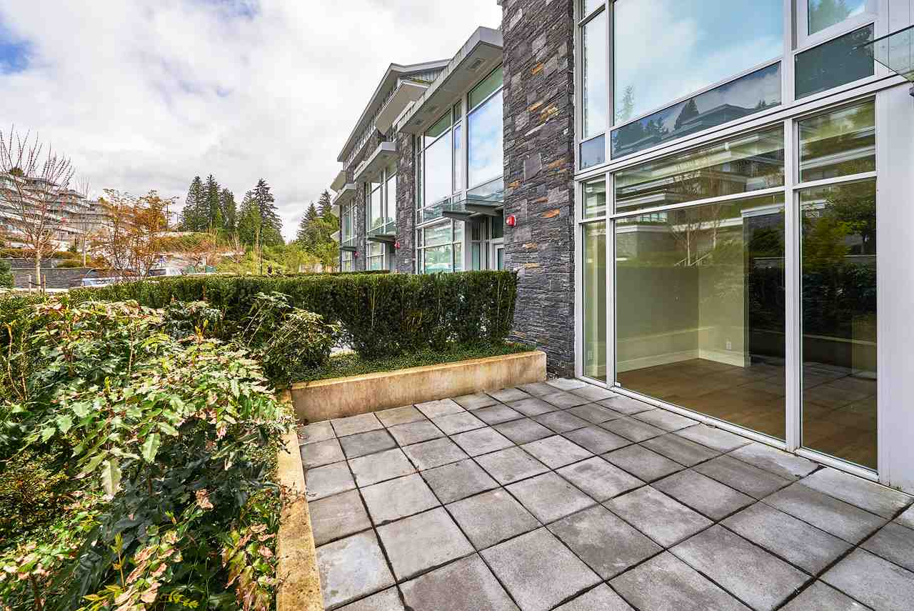 Townhouse at 886 ARTHUR ERICKSON PLACE, West Vancouver, British Columbia. Image 9