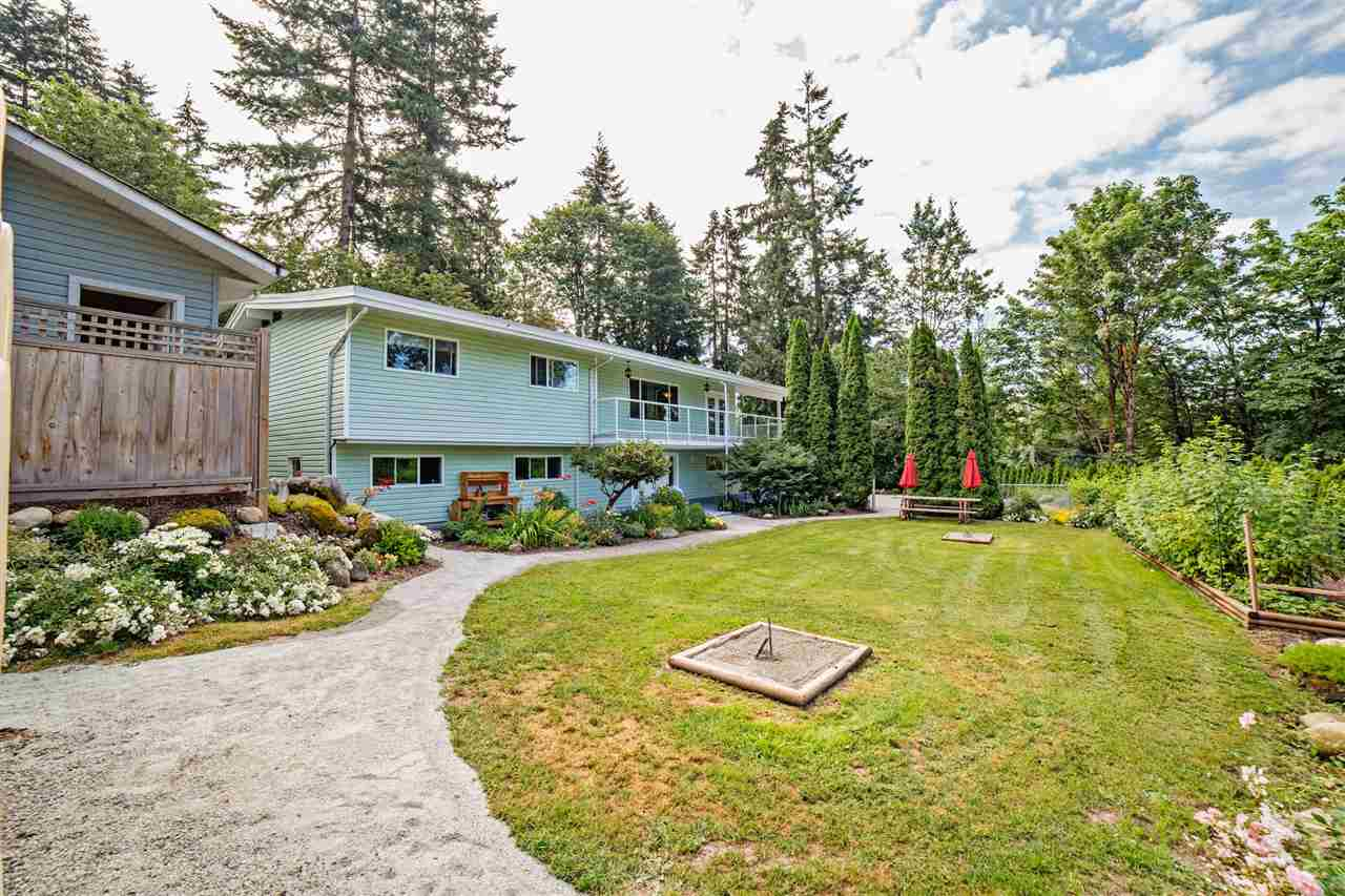 Detached at 29739 SILVERDALE AVENUE, Mission, British Columbia. Image 2