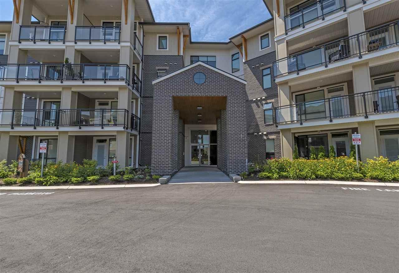 Condo Apartment at 407 45761 STEVENSON ROAD, Unit 407, Sardis, British Columbia. Image 2
