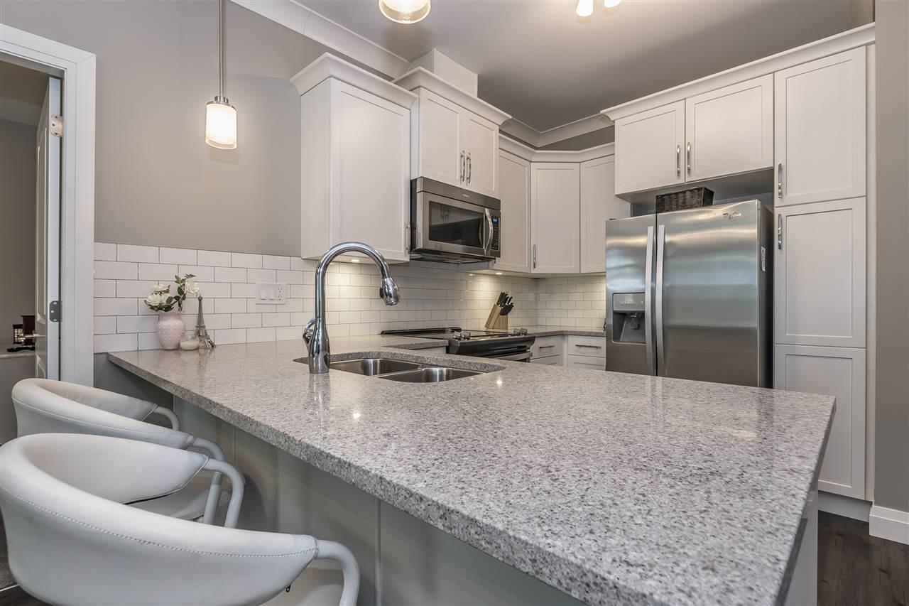 Condo Apartment at 407 45761 STEVENSON ROAD, Unit 407, Sardis, British Columbia. Image 6