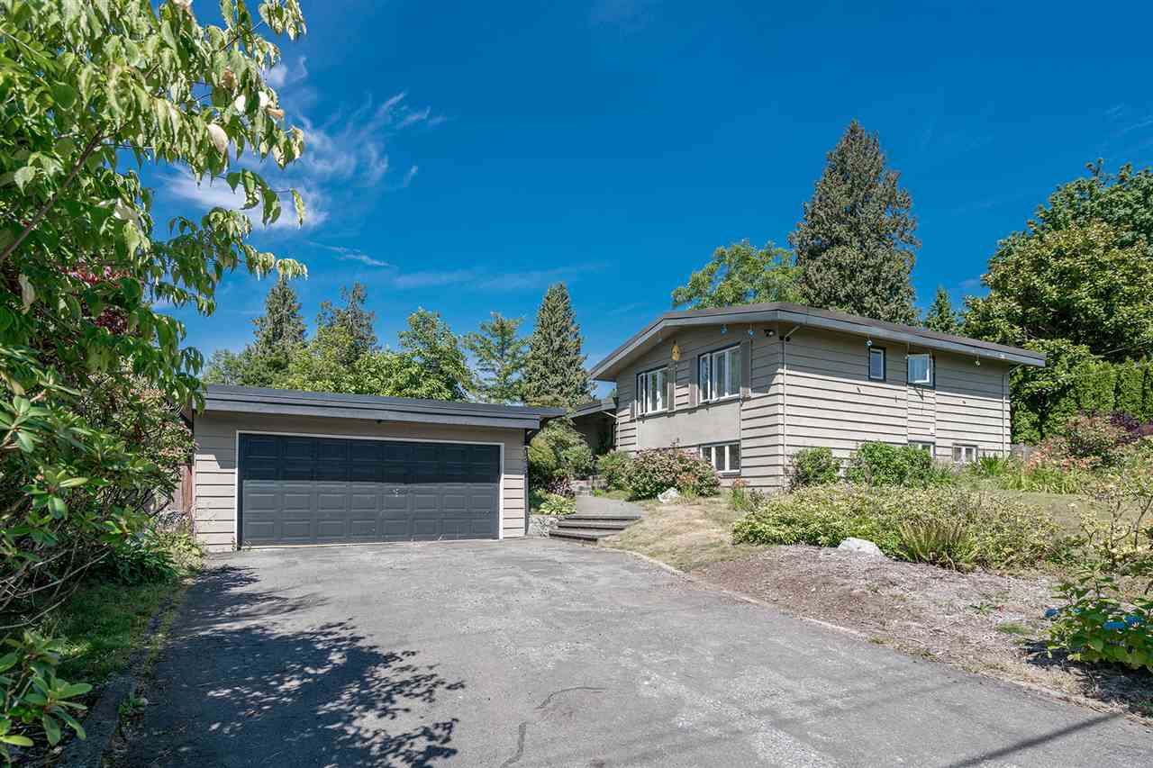 Detached at 1565 19TH STREET, West Vancouver, British Columbia. Image 2