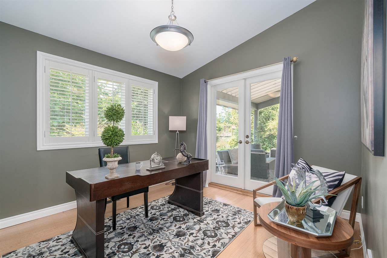 Detached at 1565 19TH STREET, West Vancouver, British Columbia. Image 10