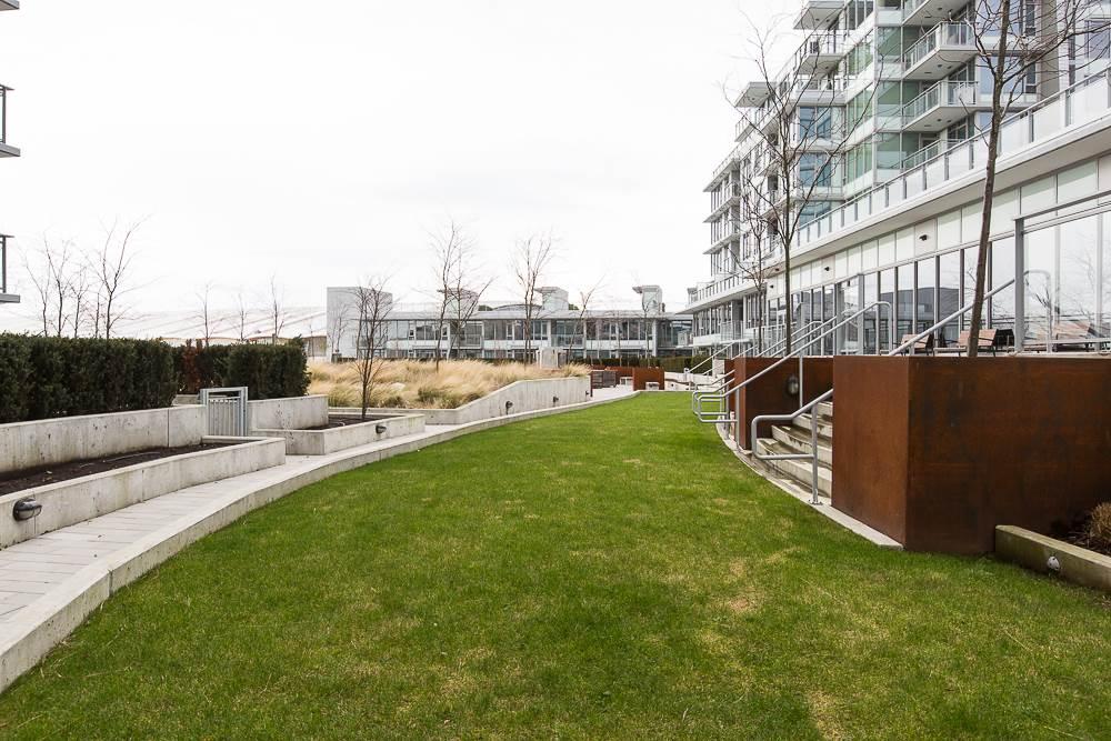 Condo Apartment at 1203 6951 ELMBRIDGE WAY, Unit 1203, Richmond, British Columbia. Image 10