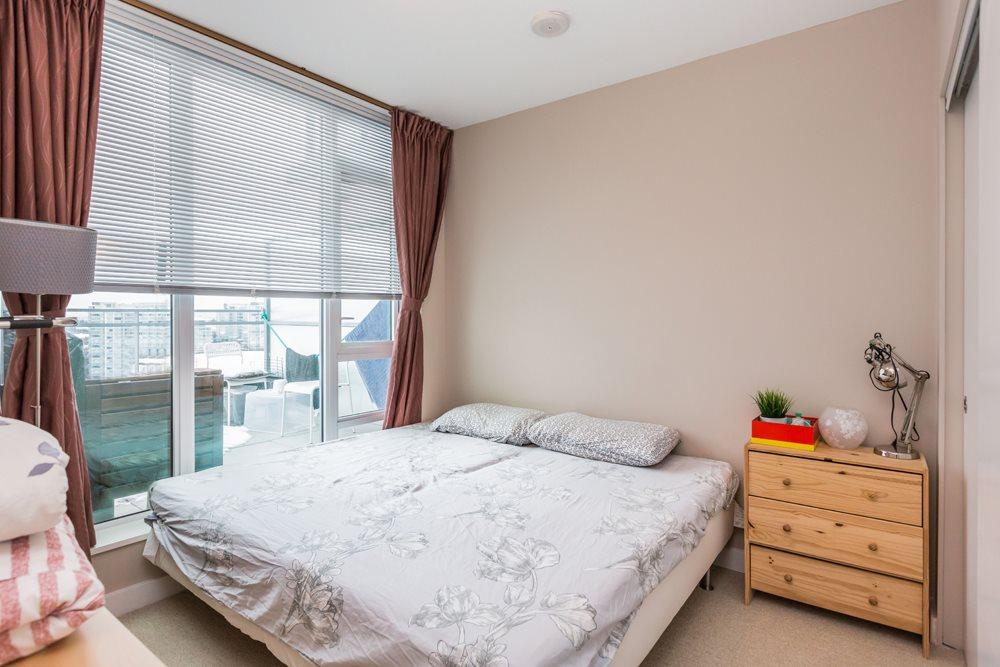Condo Apartment at 1203 6951 ELMBRIDGE WAY, Unit 1203, Richmond, British Columbia. Image 12