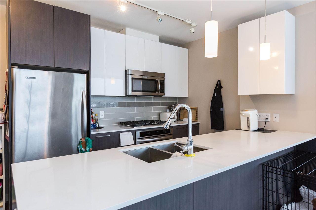Condo Apartment at 1203 6951 ELMBRIDGE WAY, Unit 1203, Richmond, British Columbia. Image 13
