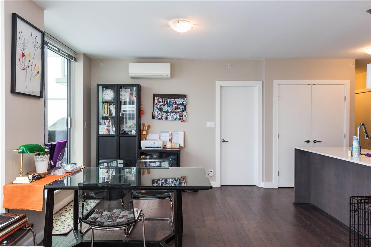 Condo Apartment at 1203 6951 ELMBRIDGE WAY, Unit 1203, Richmond, British Columbia. Image 15