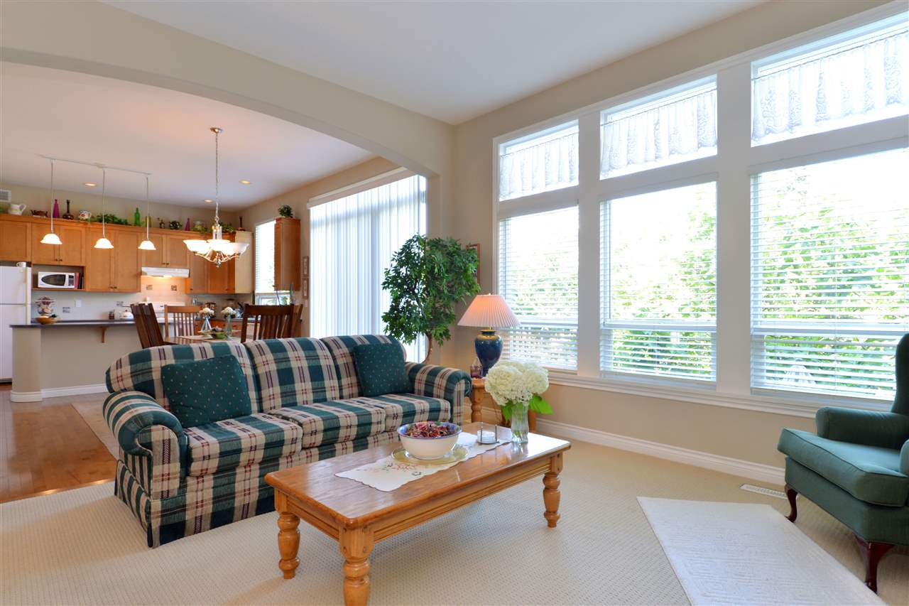 Detached at 3527 ROSEMARY HEIGHTS CRESCENT, South Surrey White Rock, British Columbia. Image 4