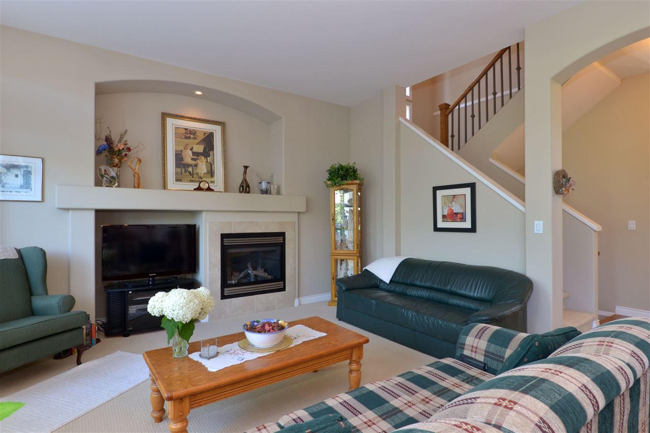 Detached at 3527 ROSEMARY HEIGHTS CRESCENT, South Surrey White Rock, British Columbia. Image 6