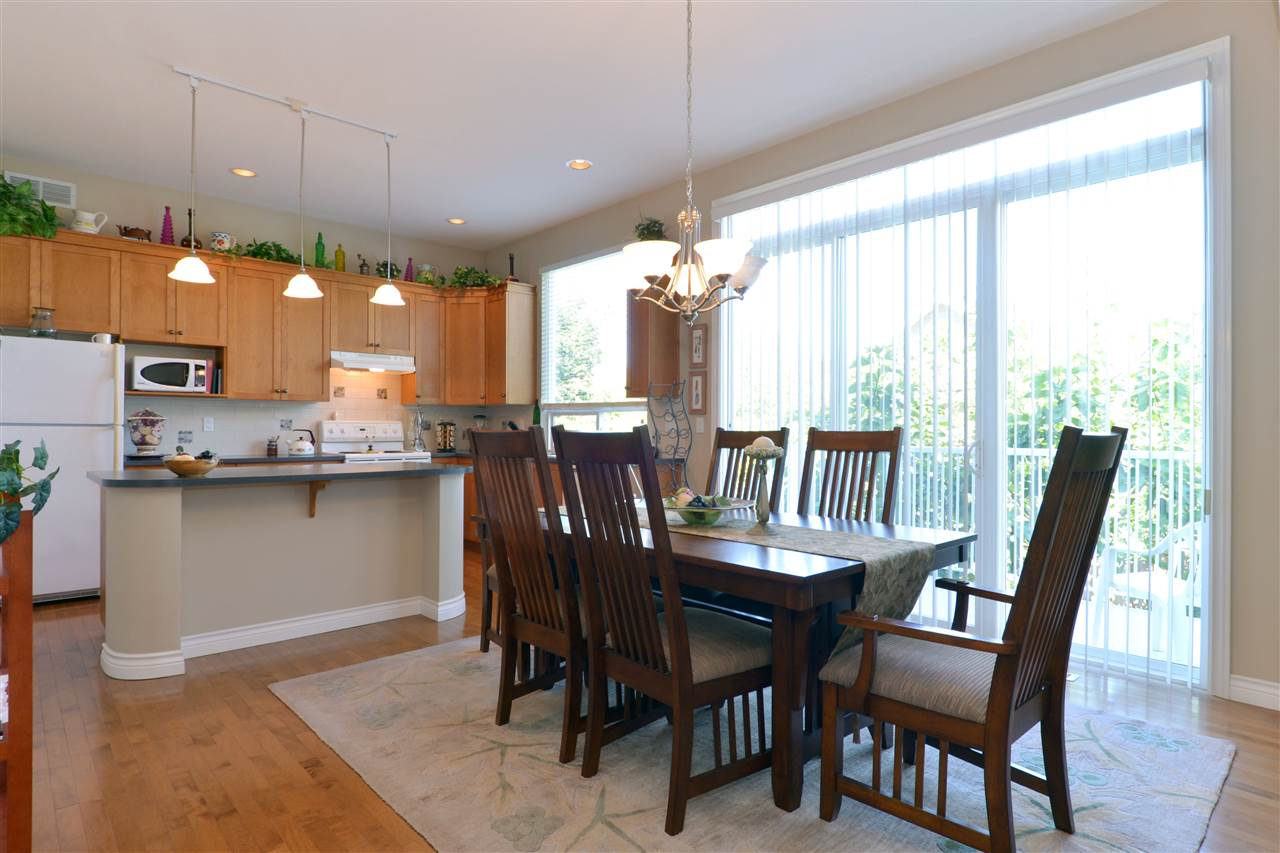 Detached at 3527 ROSEMARY HEIGHTS CRESCENT, South Surrey White Rock, British Columbia. Image 8
