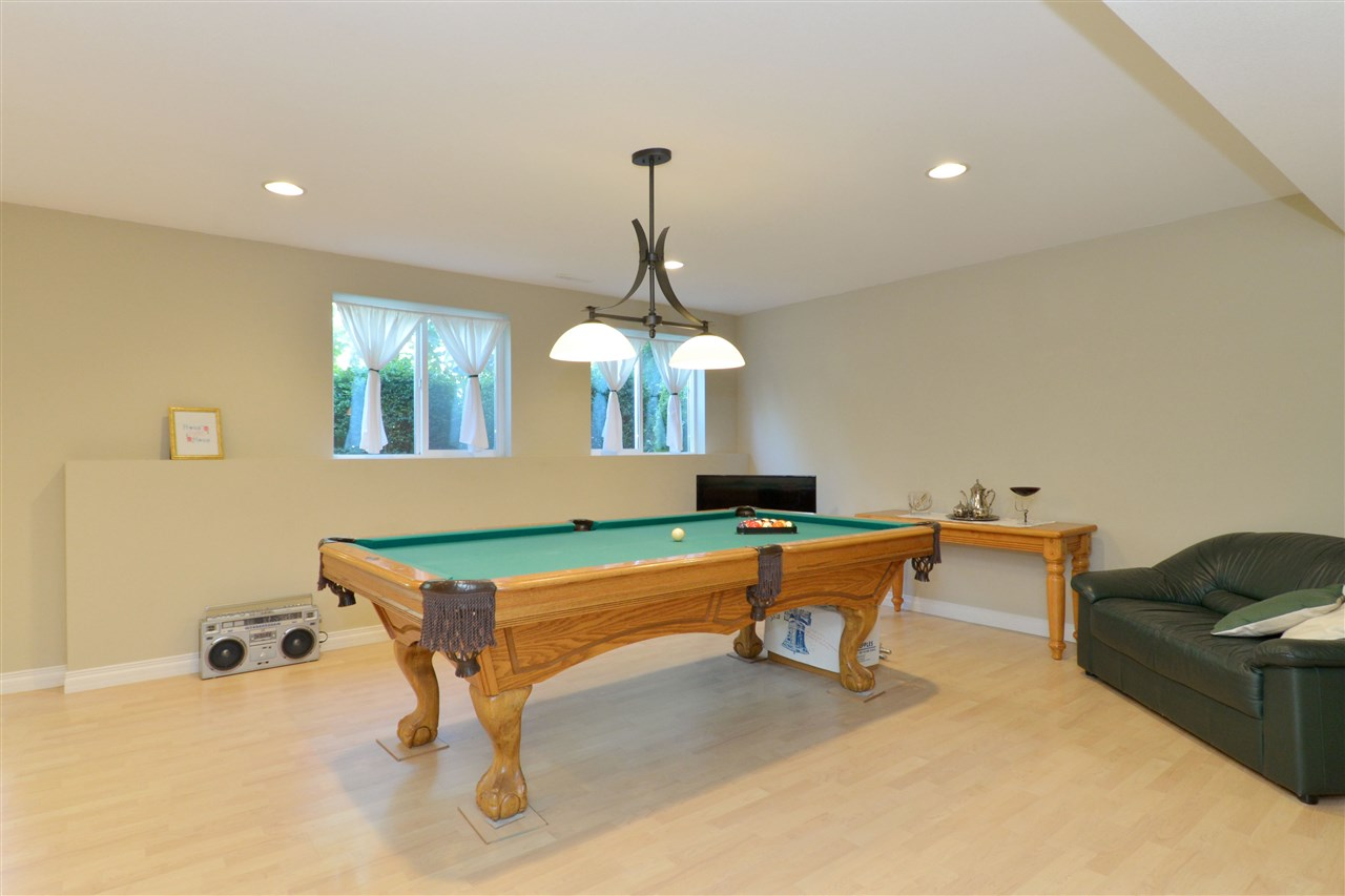 Detached at 3527 ROSEMARY HEIGHTS CRESCENT, South Surrey White Rock, British Columbia. Image 16