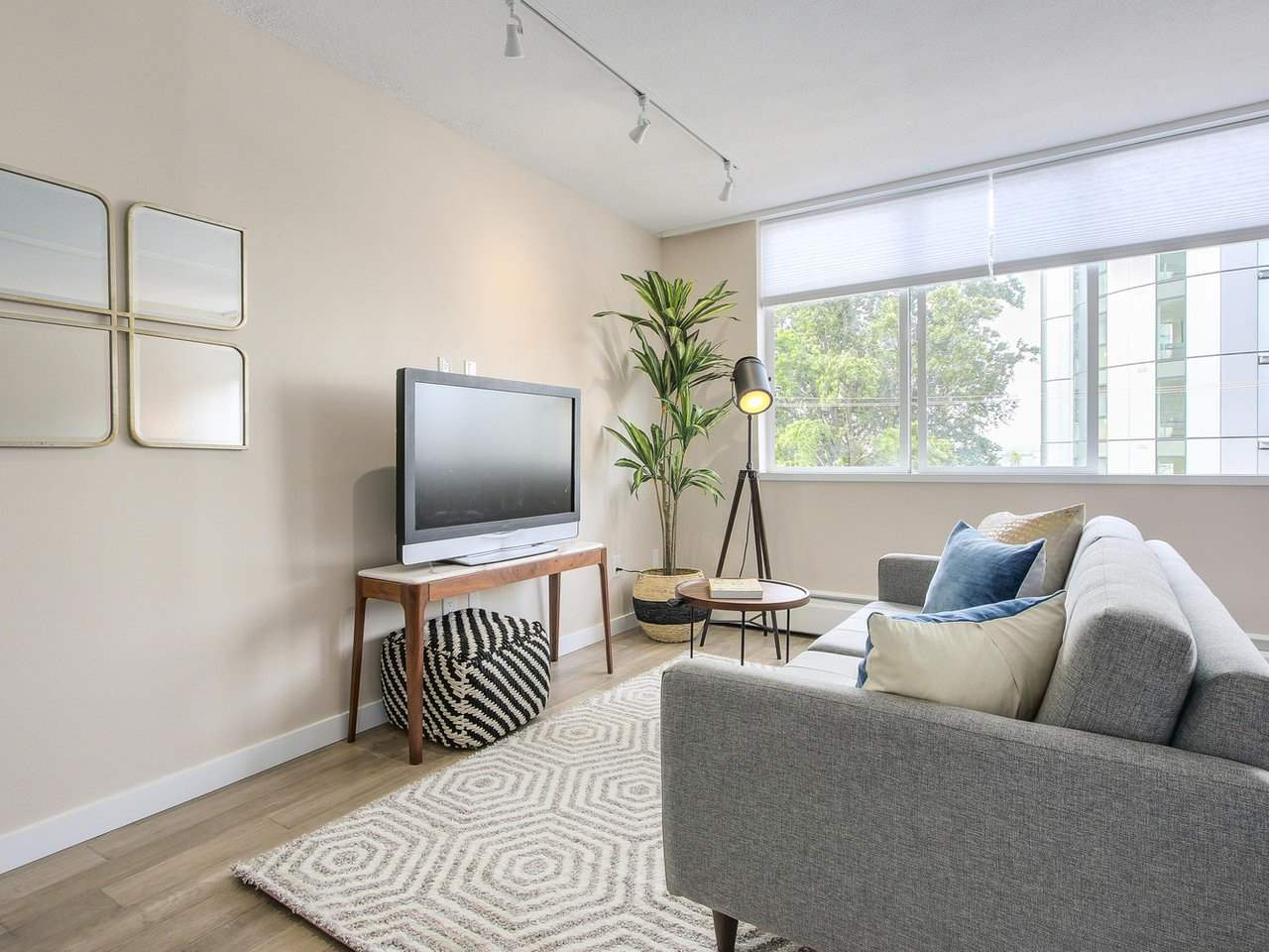 Condo Apartment at 308 1250 BURNABY STREET, Unit 308, Vancouver West, British Columbia. Image 2