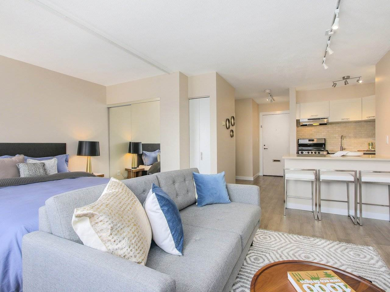 Condo Apartment at 308 1250 BURNABY STREET, Unit 308, Vancouver West, British Columbia. Image 4
