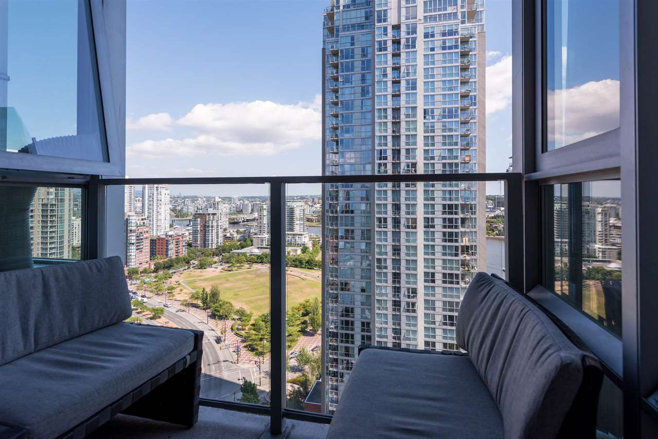 Condo Apartment at 2701 1438 RICHARDS STREET, Unit 2701, Vancouver West, British Columbia. Image 11