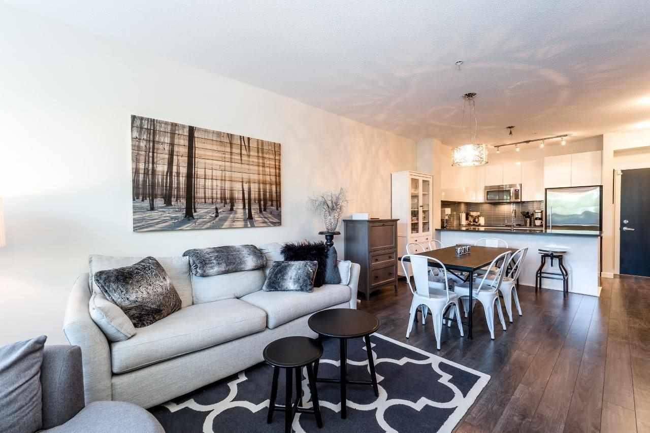Condo Apartment at 122 2665 MOUNTAIN HIGHWAY, Unit 122, North Vancouver, British Columbia. Image 2