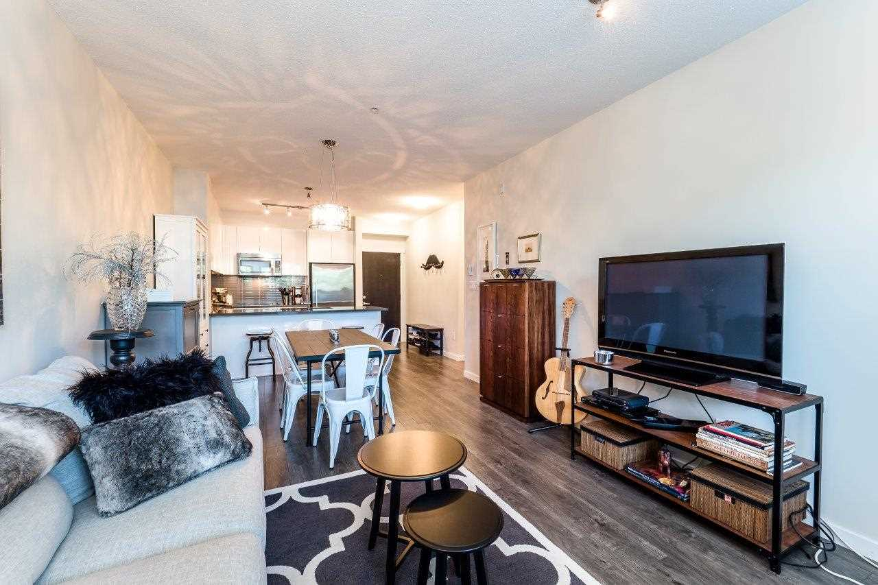 Condo Apartment at 122 2665 MOUNTAIN HIGHWAY, Unit 122, North Vancouver, British Columbia. Image 4