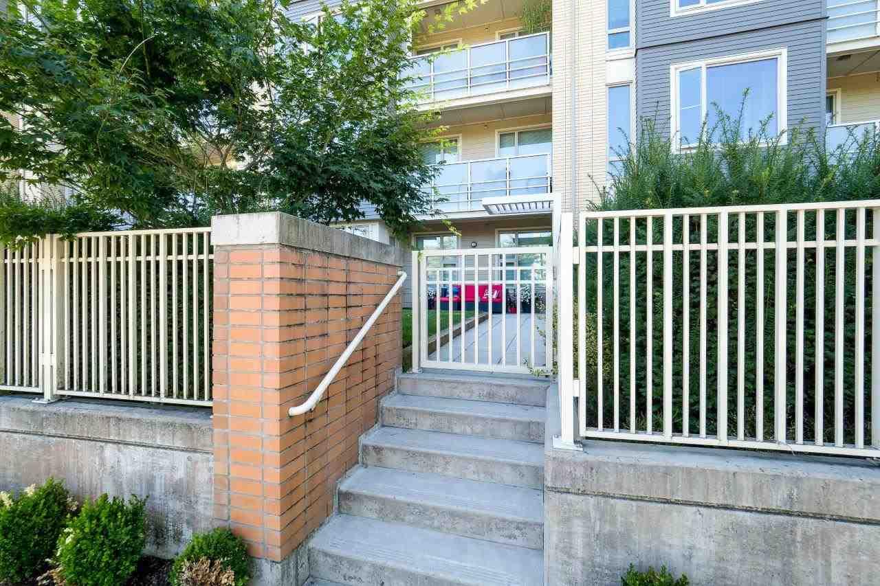 Condo Apartment at 122 2665 MOUNTAIN HIGHWAY, Unit 122, North Vancouver, British Columbia. Image 14