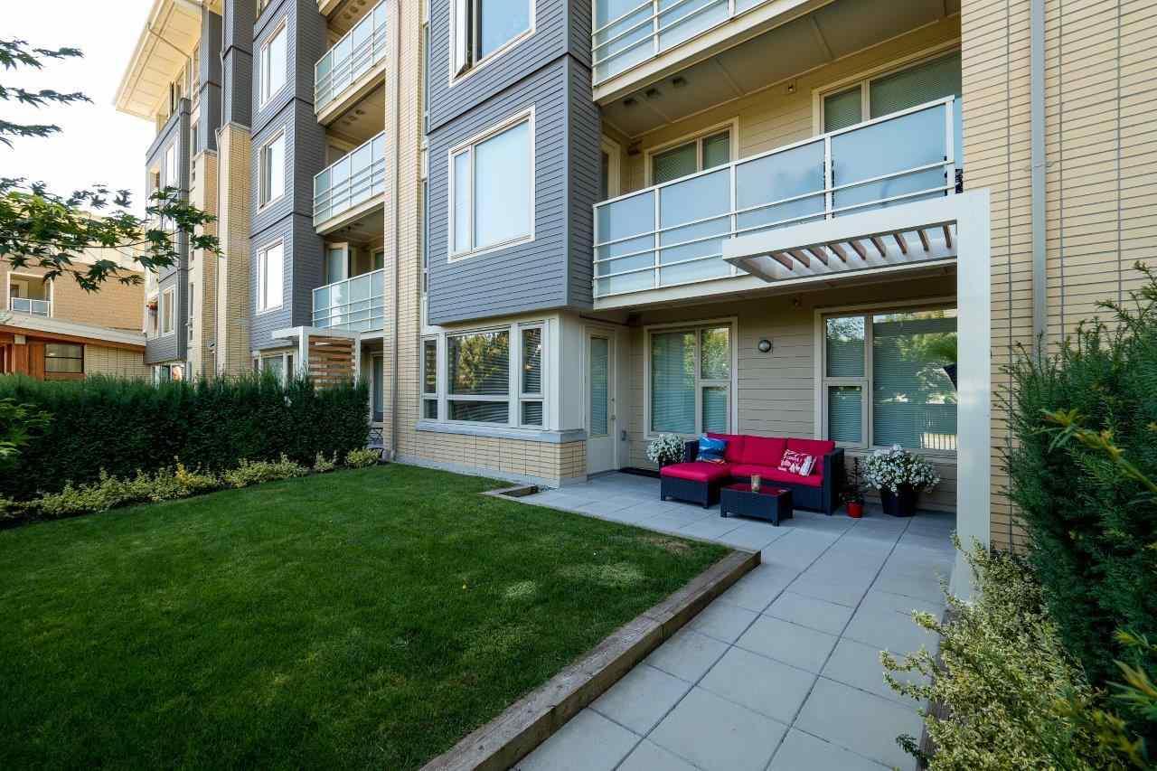 Condo Apartment at 122 2665 MOUNTAIN HIGHWAY, Unit 122, North Vancouver, British Columbia. Image 17