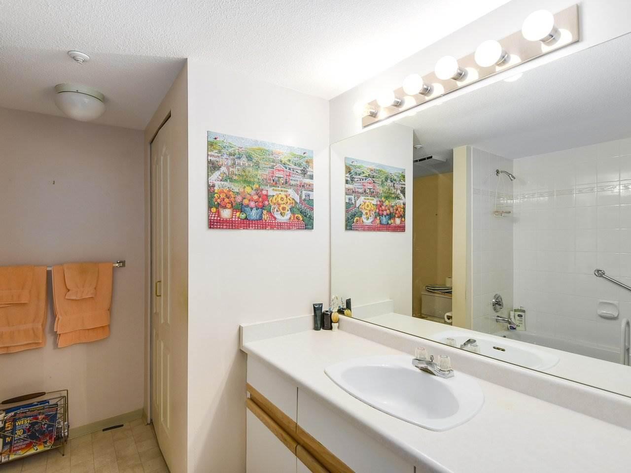 Condo Apartment at 108 2020 CEDAR VILLAGE CRESCENT, Unit 108, North Vancouver, British Columbia. Image 12