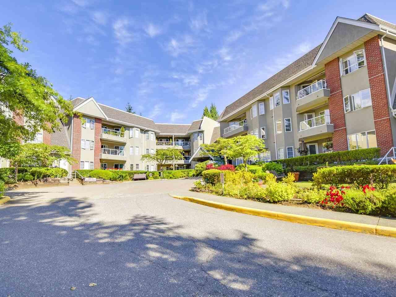 Condo Apartment at 108 2020 CEDAR VILLAGE CRESCENT, Unit 108, North Vancouver, British Columbia. Image 16