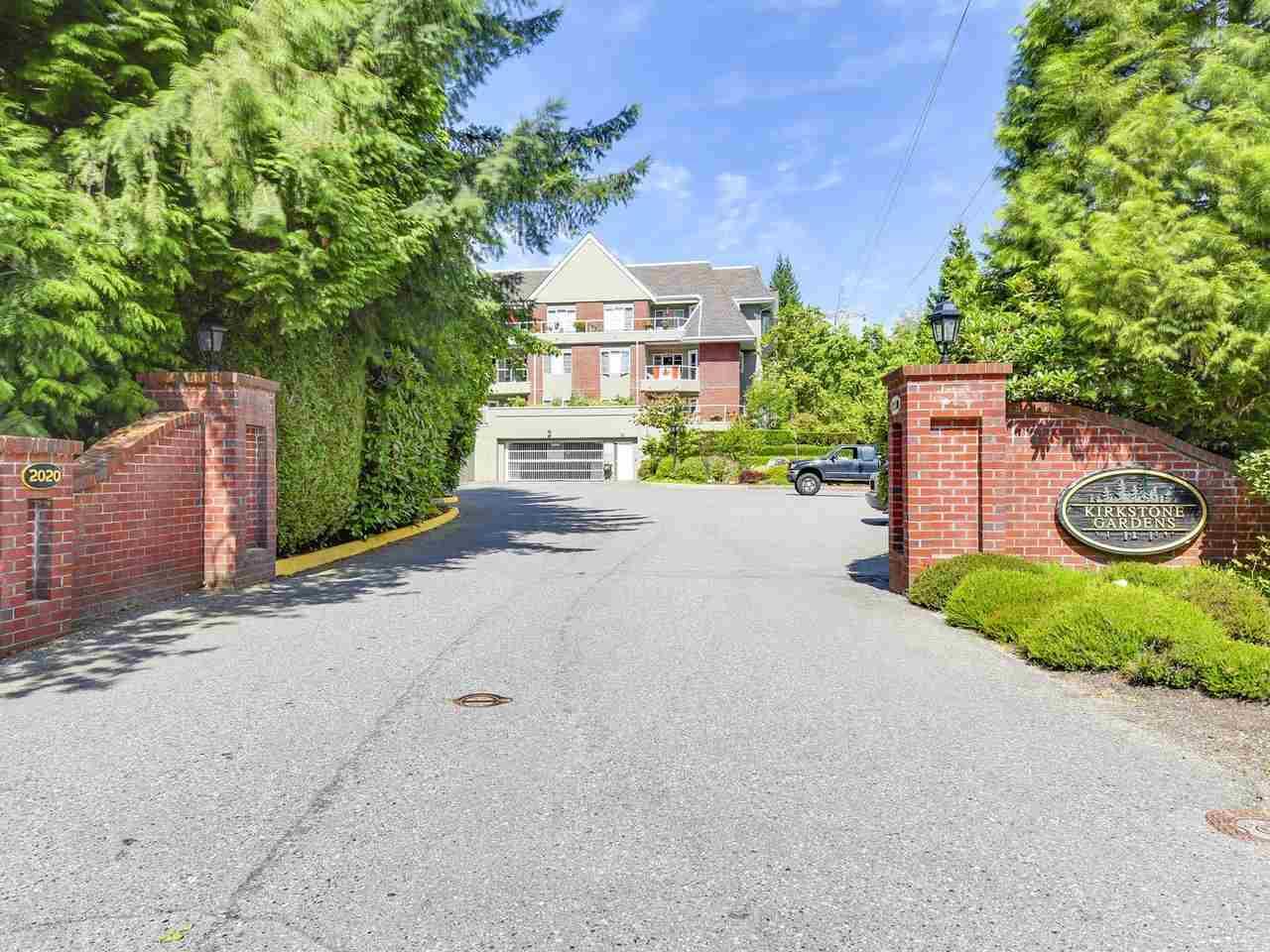 Condo Apartment at 108 2020 CEDAR VILLAGE CRESCENT, Unit 108, North Vancouver, British Columbia. Image 17