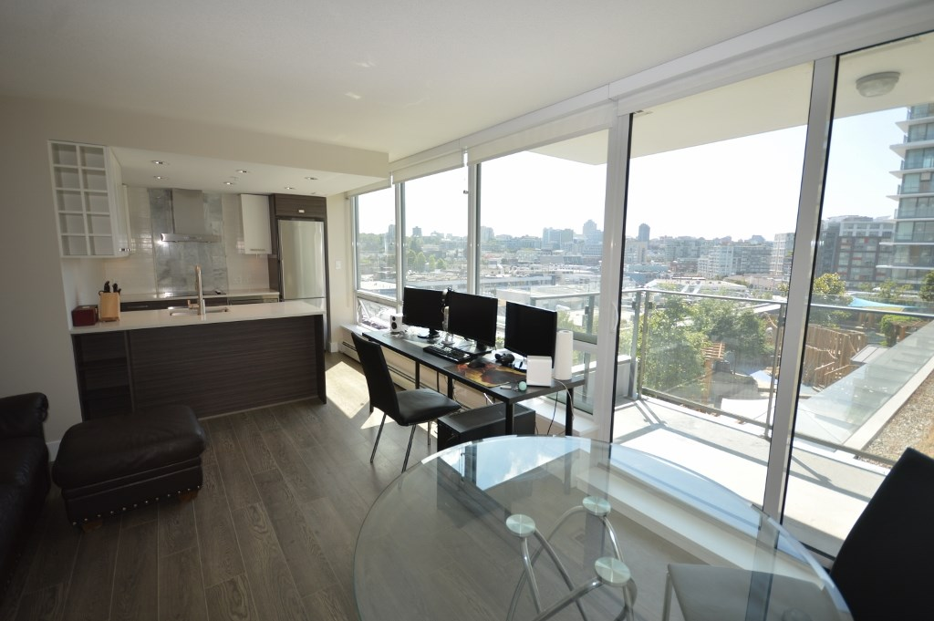 Condo Apartment at 905 1783 MANITOBA STREET, Unit 905, Vancouver West, British Columbia. Image 2
