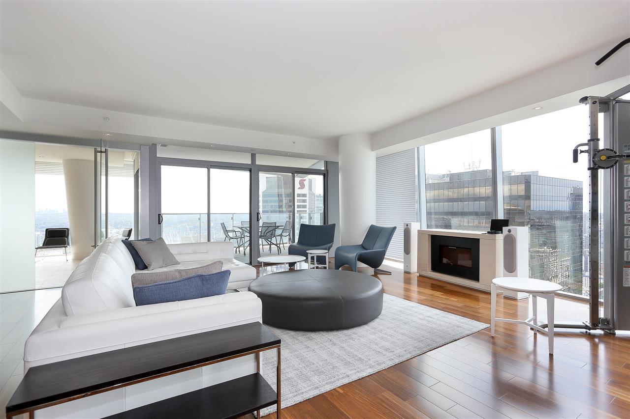 Condo Apartment at 3904 667 HOWE STREET, Unit 3904, Vancouver West, British Columbia. Image 1