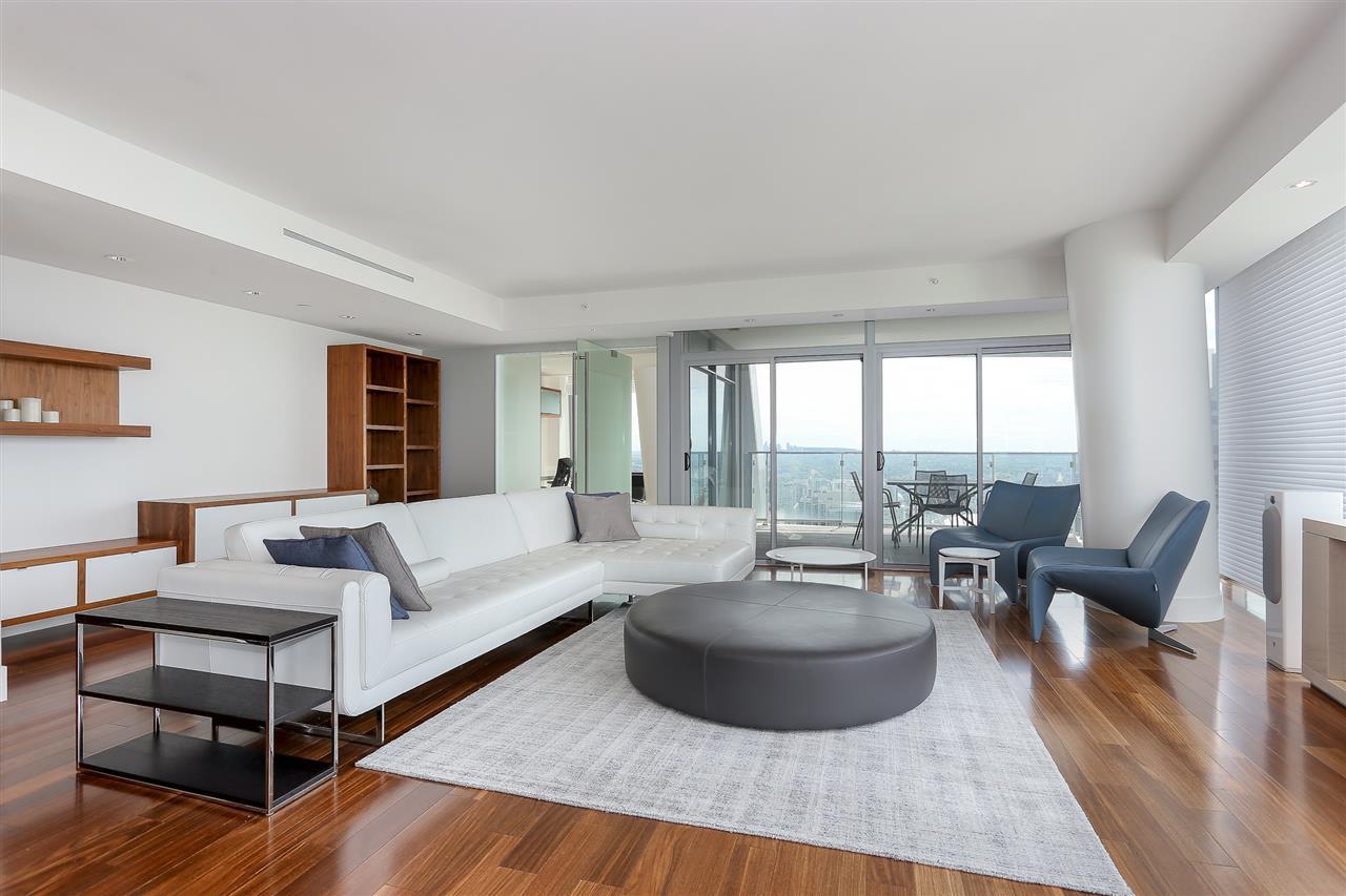 Condo Apartment at 3904 667 HOWE STREET, Unit 3904, Vancouver West, British Columbia. Image 3
