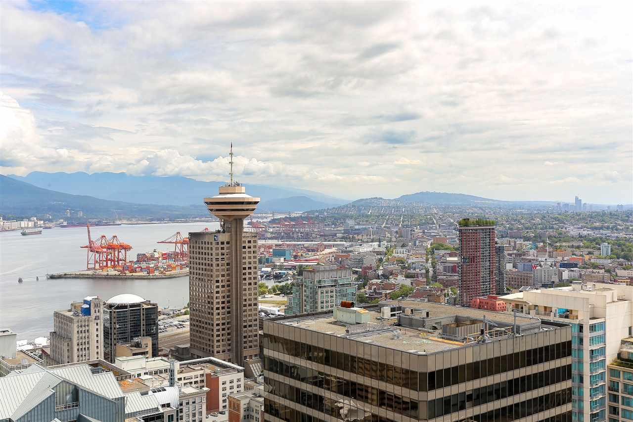 Condo Apartment at 3904 667 HOWE STREET, Unit 3904, Vancouver West, British Columbia. Image 5
