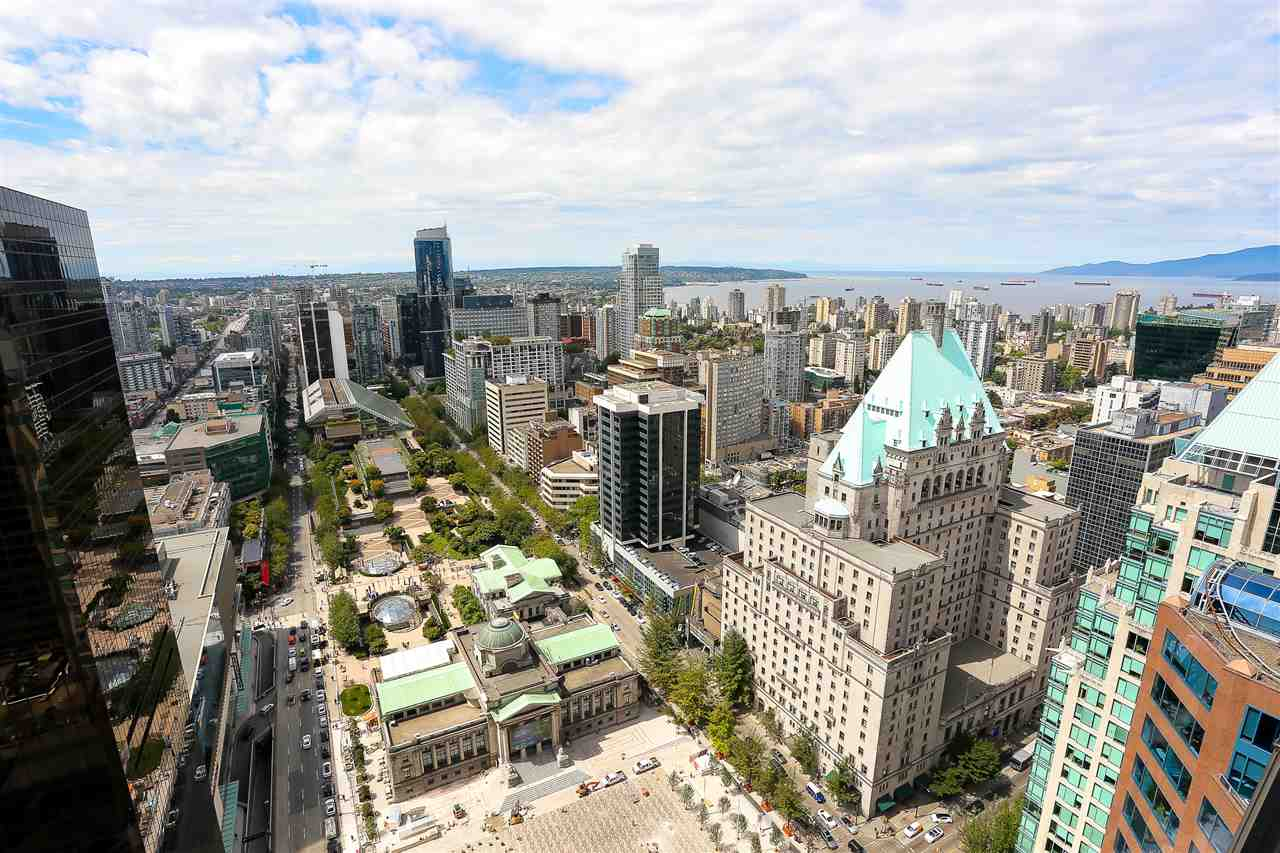 Condo Apartment at 3904 667 HOWE STREET, Unit 3904, Vancouver West, British Columbia. Image 6