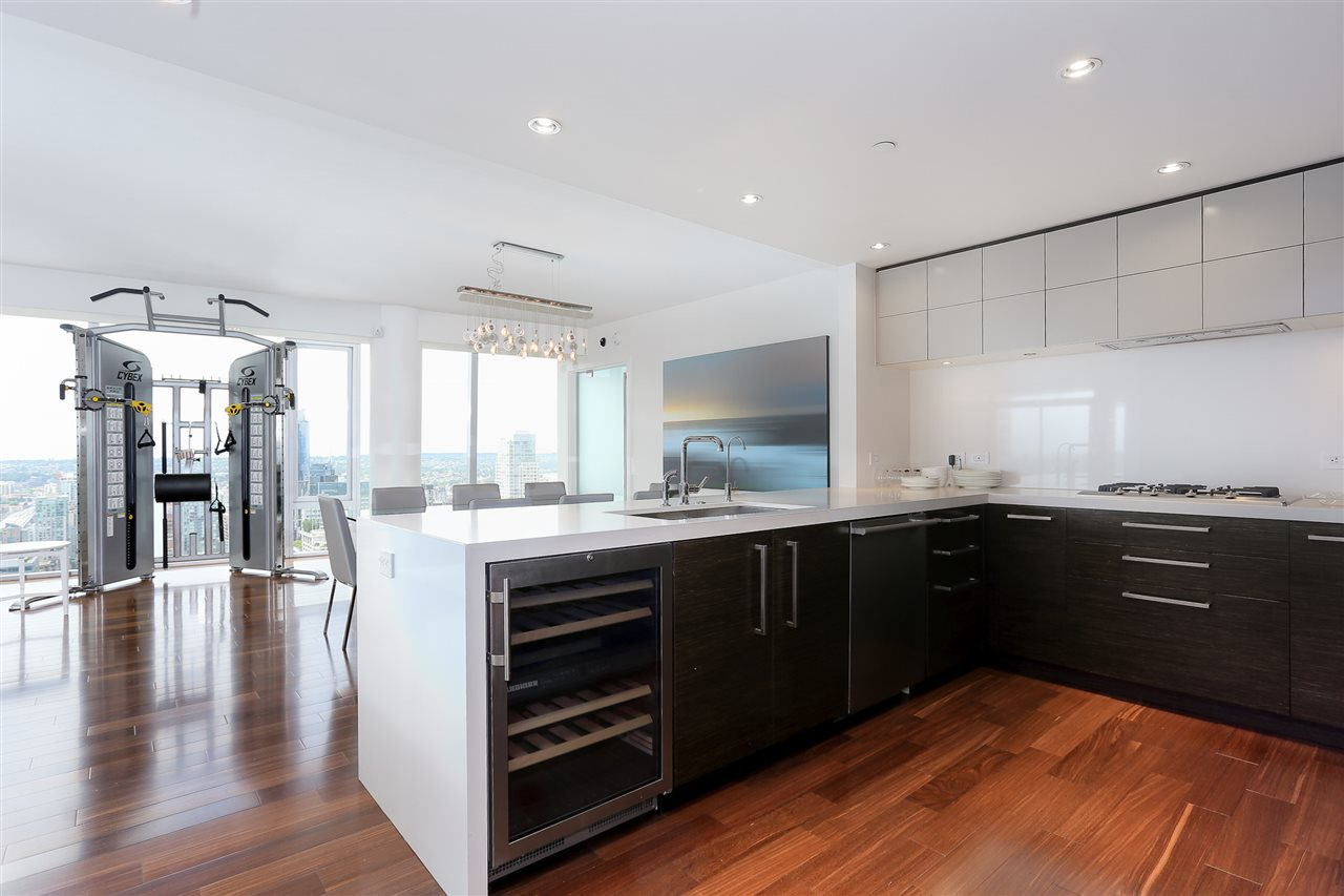 Condo Apartment at 3904 667 HOWE STREET, Unit 3904, Vancouver West, British Columbia. Image 10