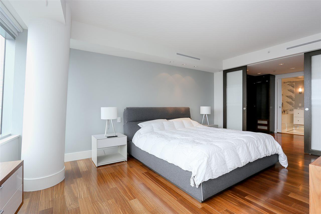 Condo Apartment at 3904 667 HOWE STREET, Unit 3904, Vancouver West, British Columbia. Image 11