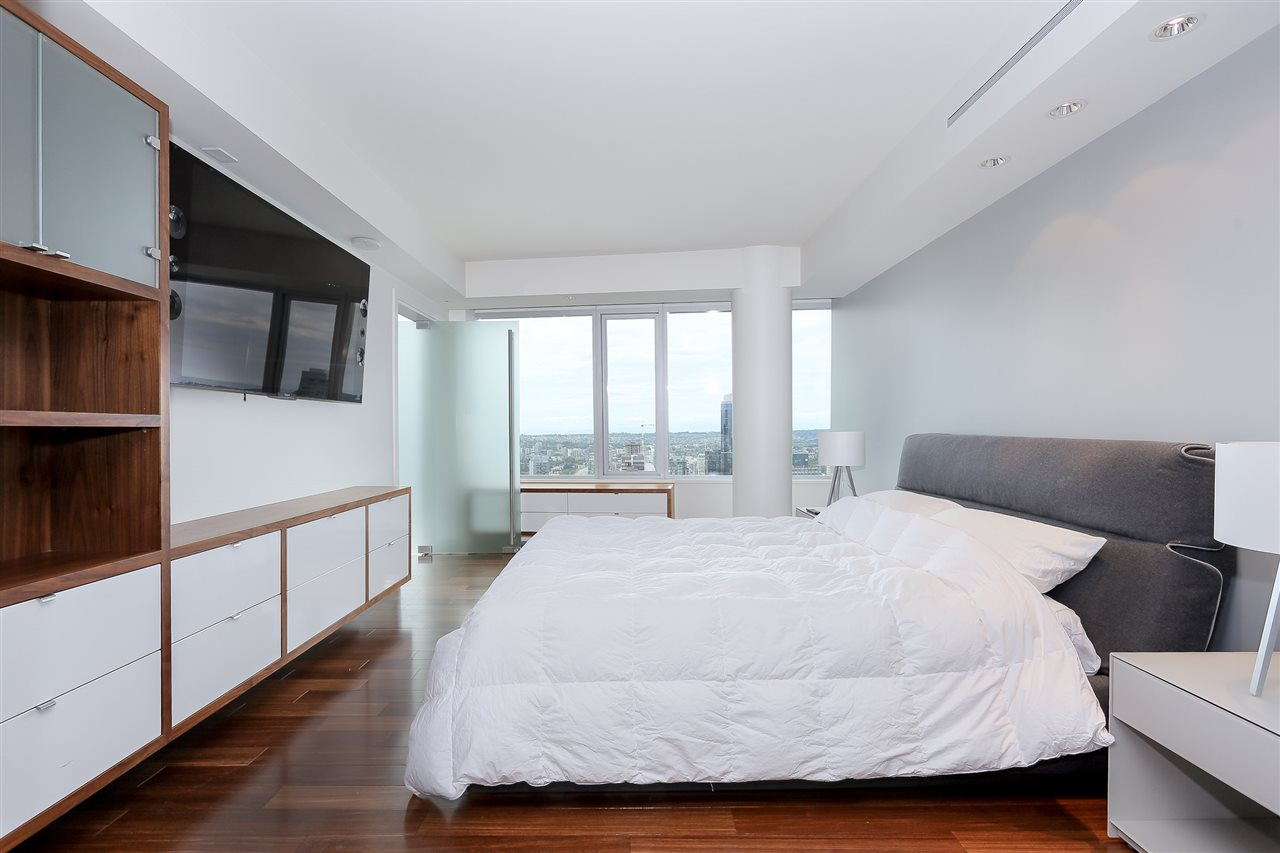 Condo Apartment at 3904 667 HOWE STREET, Unit 3904, Vancouver West, British Columbia. Image 12