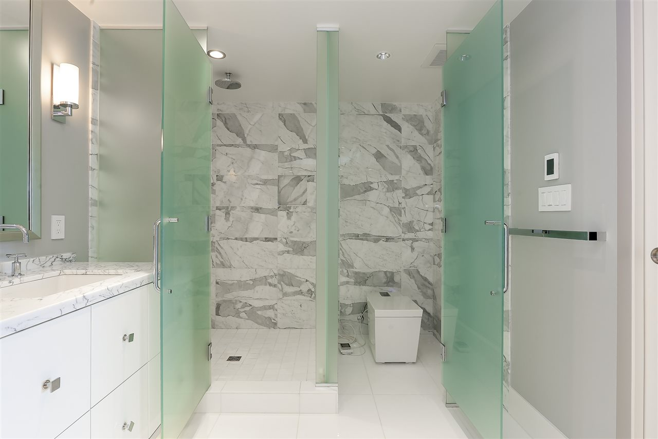 Condo Apartment at 3904 667 HOWE STREET, Unit 3904, Vancouver West, British Columbia. Image 14