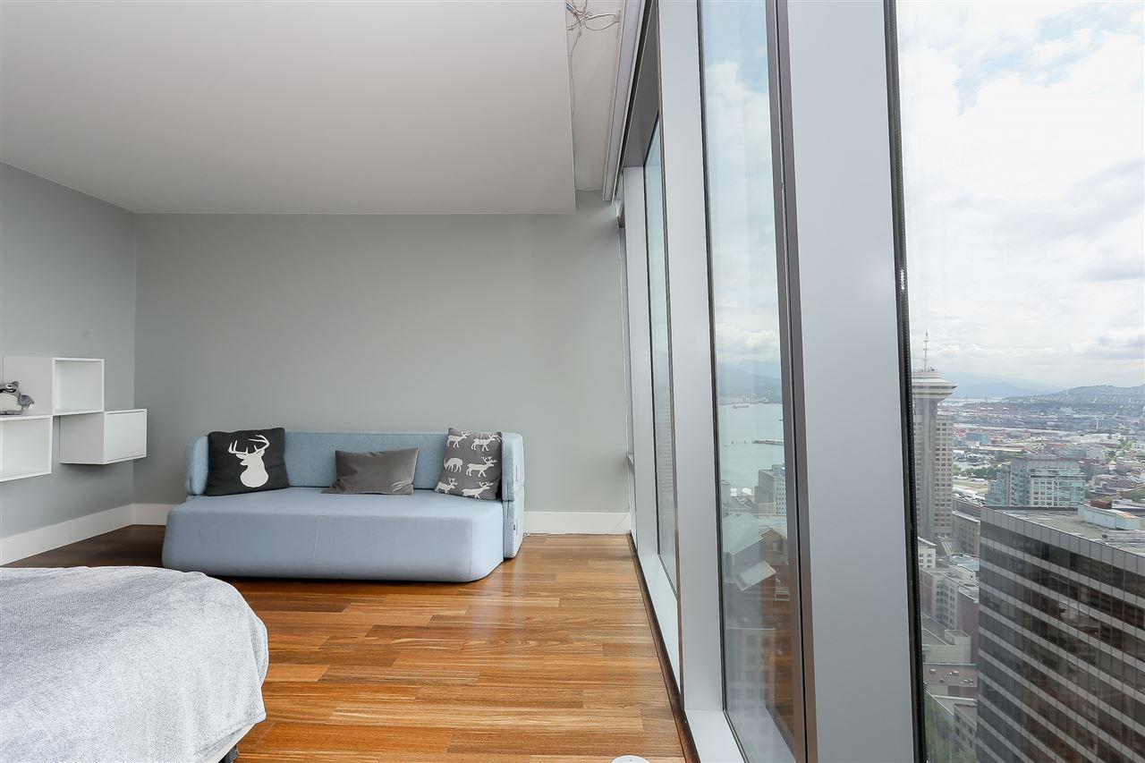 Condo Apartment at 3904 667 HOWE STREET, Unit 3904, Vancouver West, British Columbia. Image 16