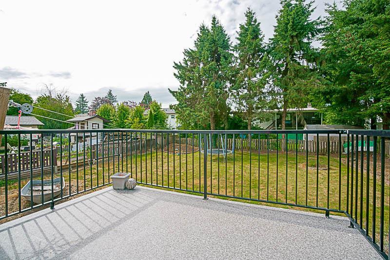 Detached at 11018 83A AVENUE, N. Delta, British Columbia. Image 12