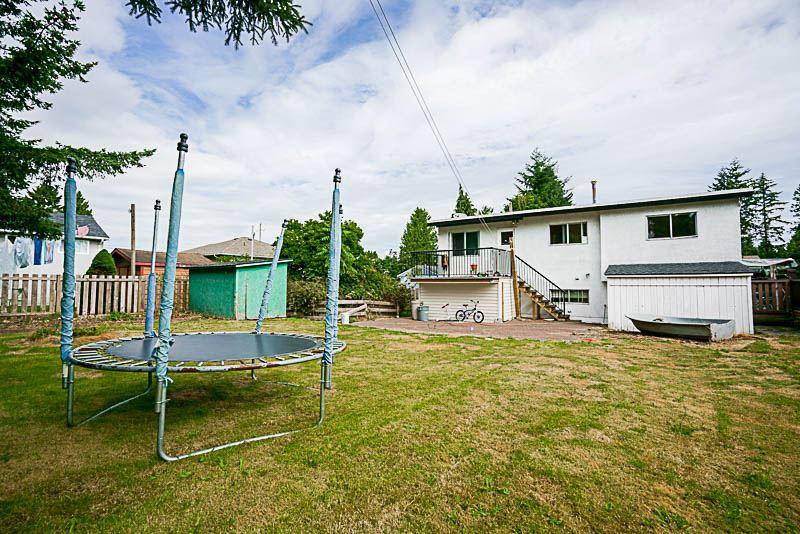 Detached at 11018 83A AVENUE, N. Delta, British Columbia. Image 14