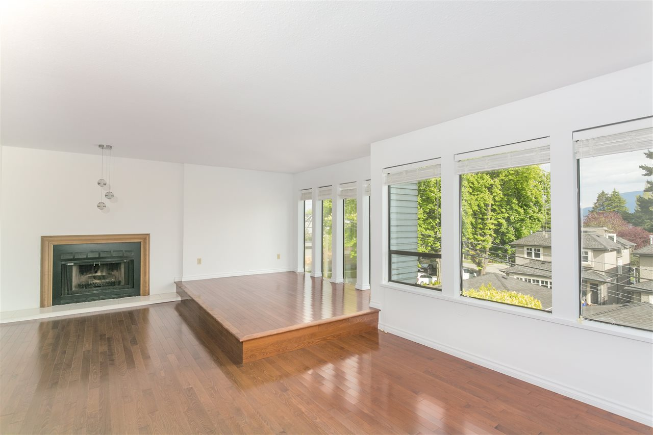 Detached at 4191 W 12TH AVENUE, Vancouver West, British Columbia. Image 8