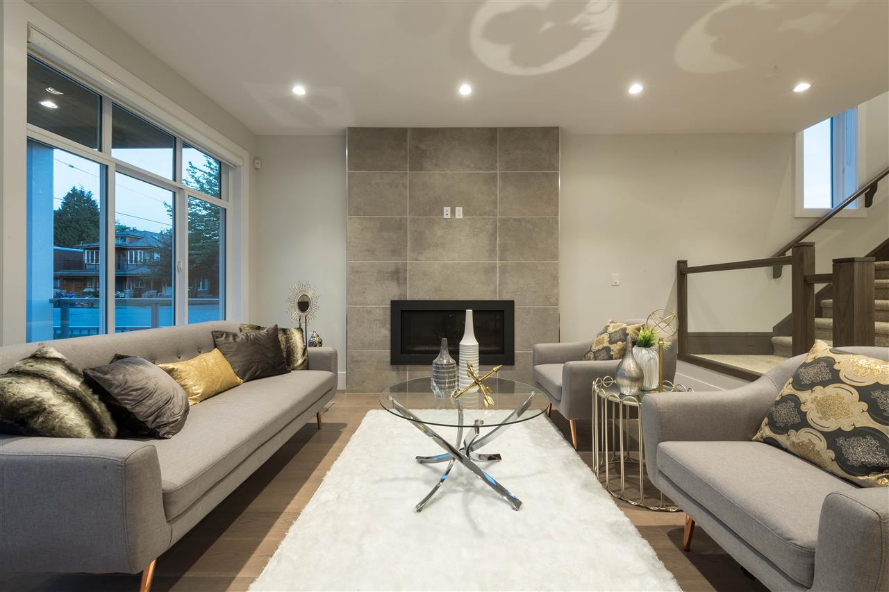 Detached at 360 W 20TH STREET, North Vancouver, British Columbia. Image 2